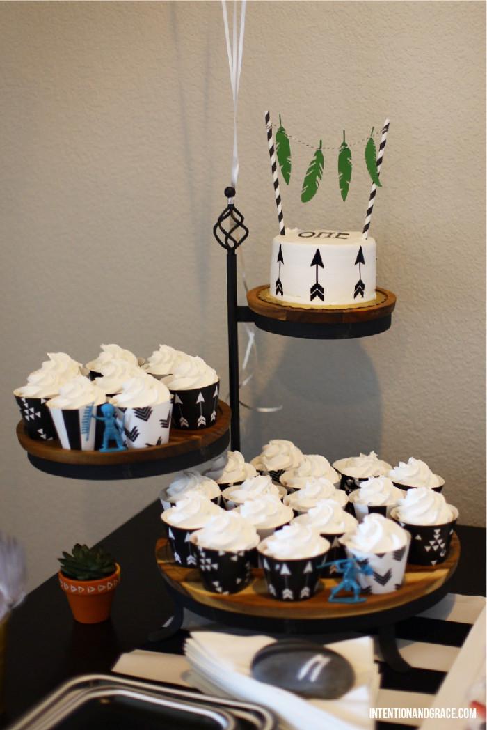 First Powwow Teepee Birthday Party Theme | Intentionandgrace.com