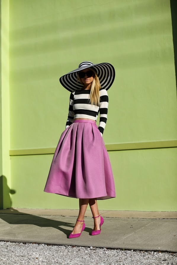 Midi Skirt Street Style  |  Intentionandgrace.com Love the mid-length, below the knee look for Summer 2014