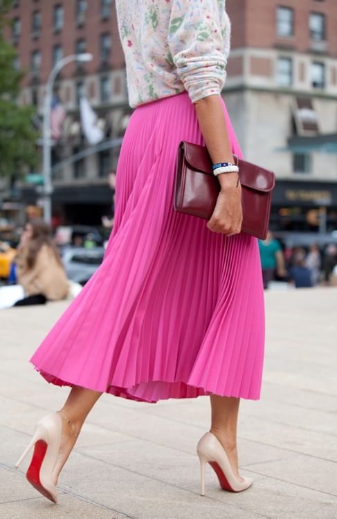 Midi Skirt Street Style  |  Intentionandgrace.com Love the mid-length, below the knee look for Spring/Summer 2014
