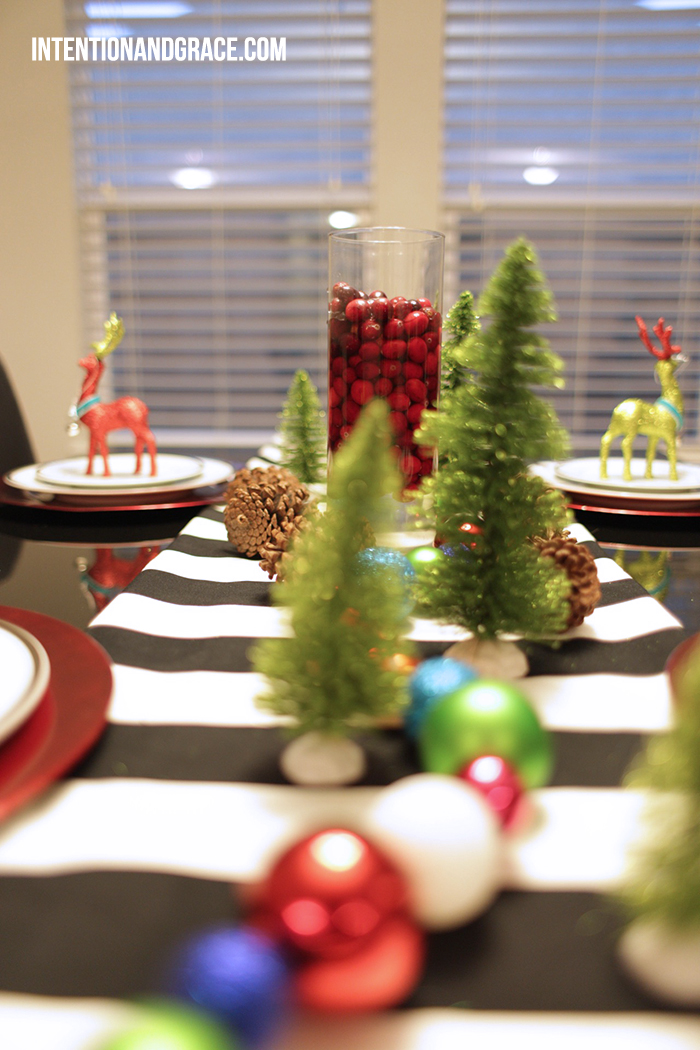 2014 holiday dining room decor and table setting  |  intentionandgrace.com