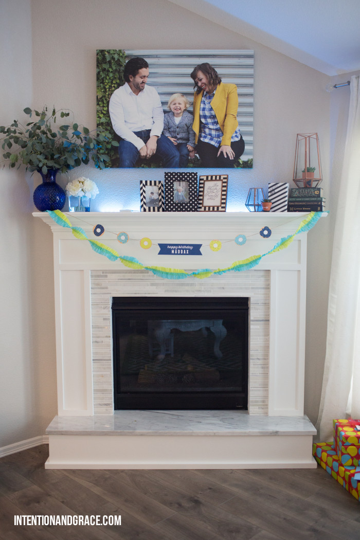 Bunting_Banner_fireplace